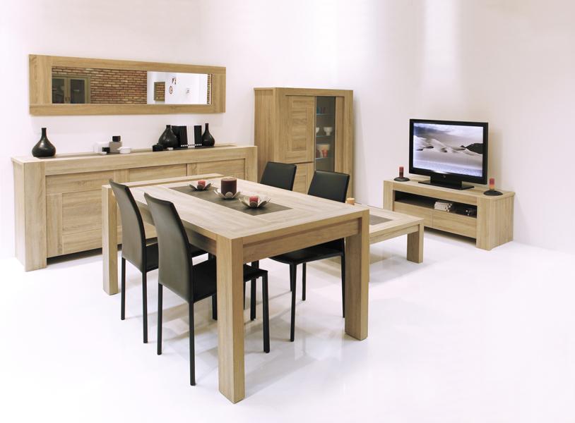 Franskemøbler i spisebord,senger og garderobeskap.